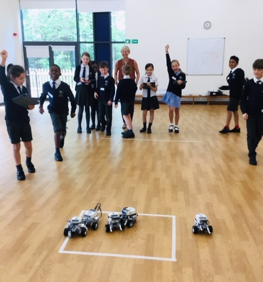 Year 5 Youngsters build, program and manoeuvre Robots