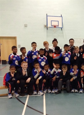 Visit to Salford City Academy a Winner for Thai Football...