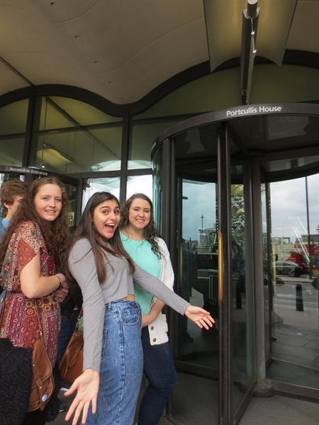 Sixth Formers Meet Reigate Politician on Trip to House of Commons