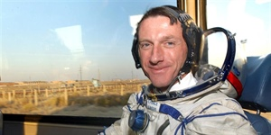 Astronaut Mike Foale comes back down to earth to make special visit to William Hulme's Grammar School